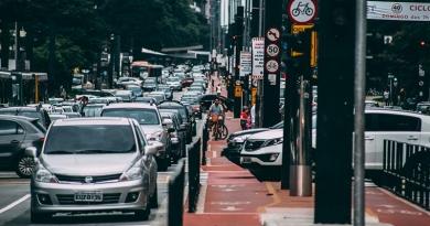 Engenheiros redesenham ruas para acalmar o trânsito