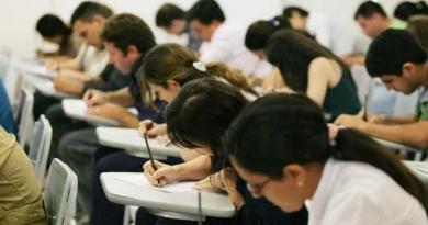 Faculdades podem dar aulas na Fase Amarela