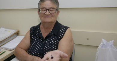 Usuários da Saúde recebem aparelhos auditivos