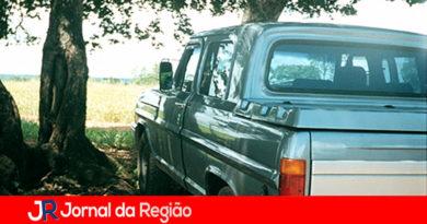 Caminhonete furtada em Várzea Paulista