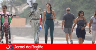 Patricia Poeta aproveita folga para caminhar