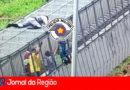 Policiais rodoviários salvam homem em passarela