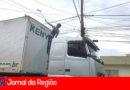 Fios dos postes estão baixos na Vila Rica