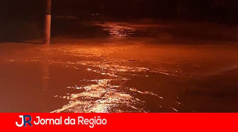 Marginal do Rio Jundiaí é interditada nos dois sentidos