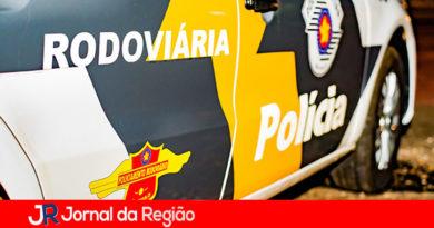 Motorista sofre acidente e policiais constatam embriaguez