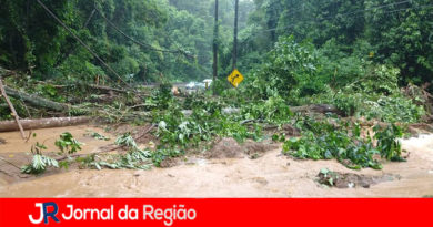 Estrada é interditada em São Sebastião