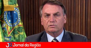 Bolsonaro se queixa das medidas restritivas e diz que estão criando 'pânico'