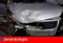 Carro derruba poste no Caxambu