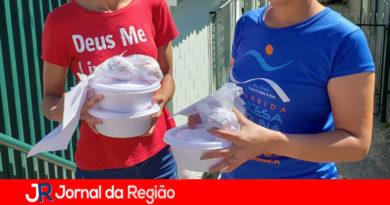 Famílias carentes recebem alimentação da Prefeitura