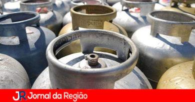 Procon e Polícia fiscalizam aumento no preço dos botijões de gás