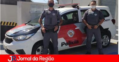 Policiais militares prendem deficiente vendendo drogas