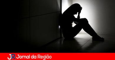 Jovens e mulheres são mais afetados por depressão na pandemia