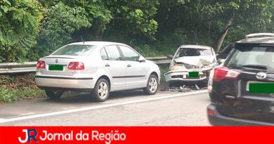 Queda de árvore resulta em acidente com vítima em rodovia