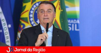 Bolsonaro diz que tem alguns idiotas que ainda ficam em casa