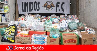 Unidos Futebol Clube arrecada e distribui alimentos
