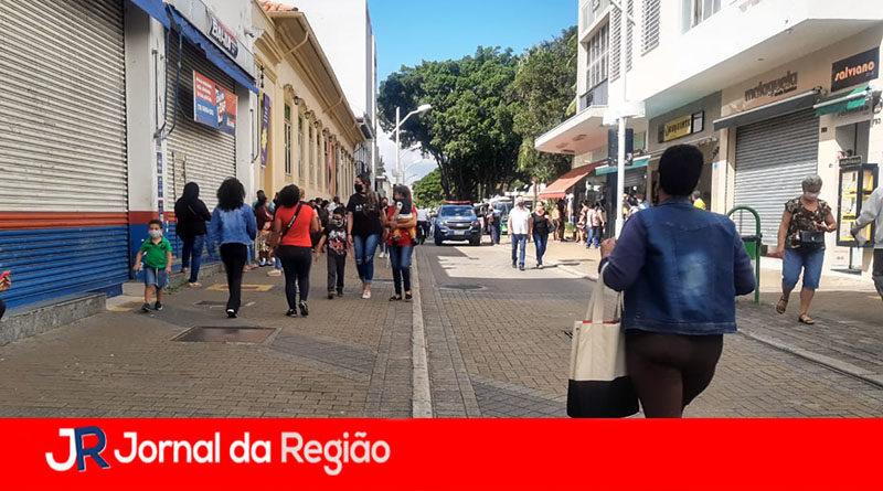 Associação Comercial pede à Prefeitura mudança de horário das lojas
