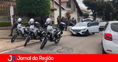 PM e Guarda mobilizaram várias viaturas para recuperar carro roubado