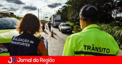 Operação fiscaliza e coíbe transporte clandestino de passageiros