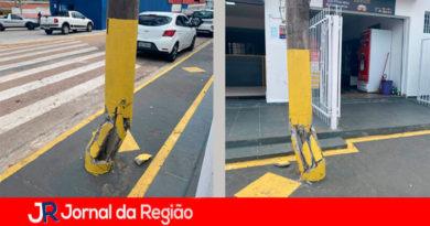 Poste quebrado no Jundiaí Mirim. (Foto: Divulgação)