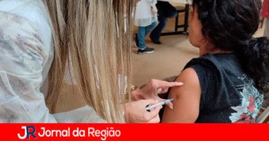 Vacinação em Louveira. (Foto: Divulgação)