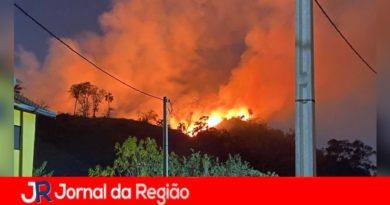 Tulipas tem incêndio que varou a noite