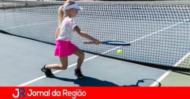 Parceria entre Prefeitura e Crow Cork abre inscrições para Escolinha de Tênis