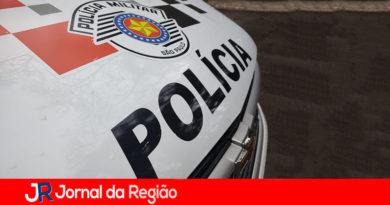 Ladrões atacam morador quando ia guardar carro na garagem