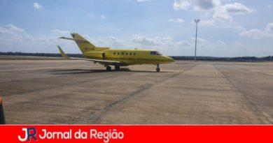 Fernandinha volta ao Brasil após primeira etapa de tratamento